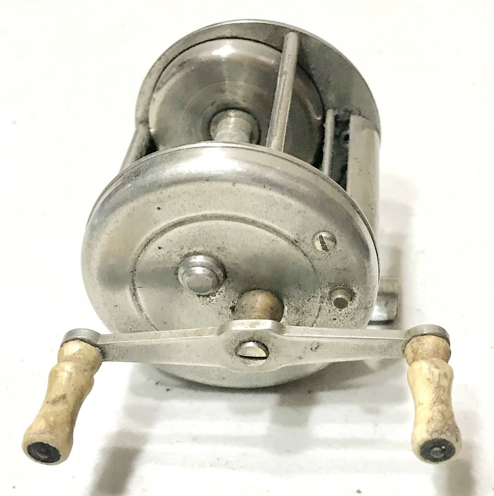Vintage Antique Bronson Reel Mich. Modern Level Winding Cast Fishing Reel Spool
