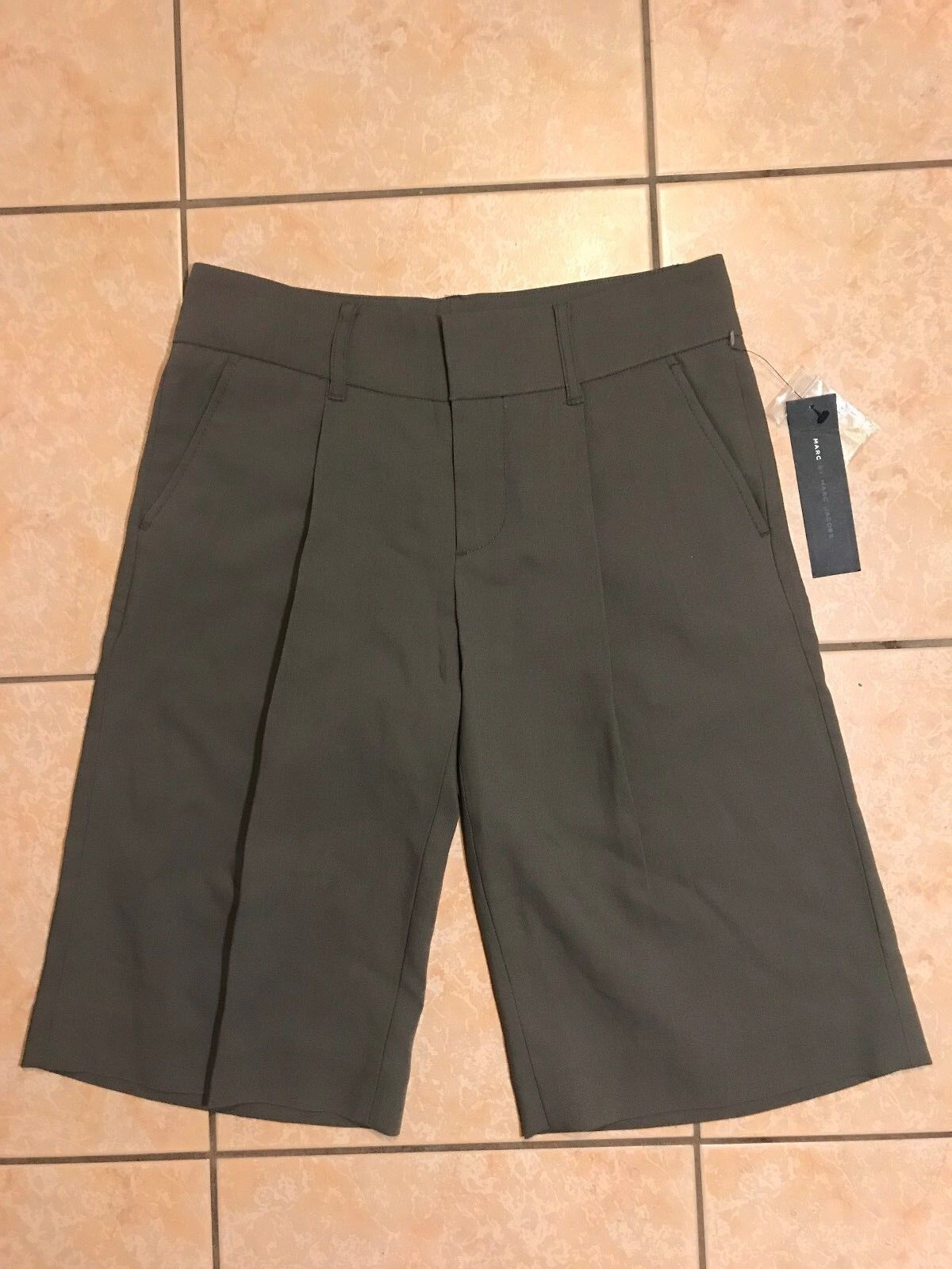 NWT Marc Jacobs Womens Taupe Wool Pleated Knee Length Shorts M171061 Size 2