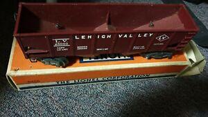 LIONEL-6456-RED-HOPPER-CAR-w-BOX-ROLLING-STOCK-O-GAUGE-MODEL-TRAINS