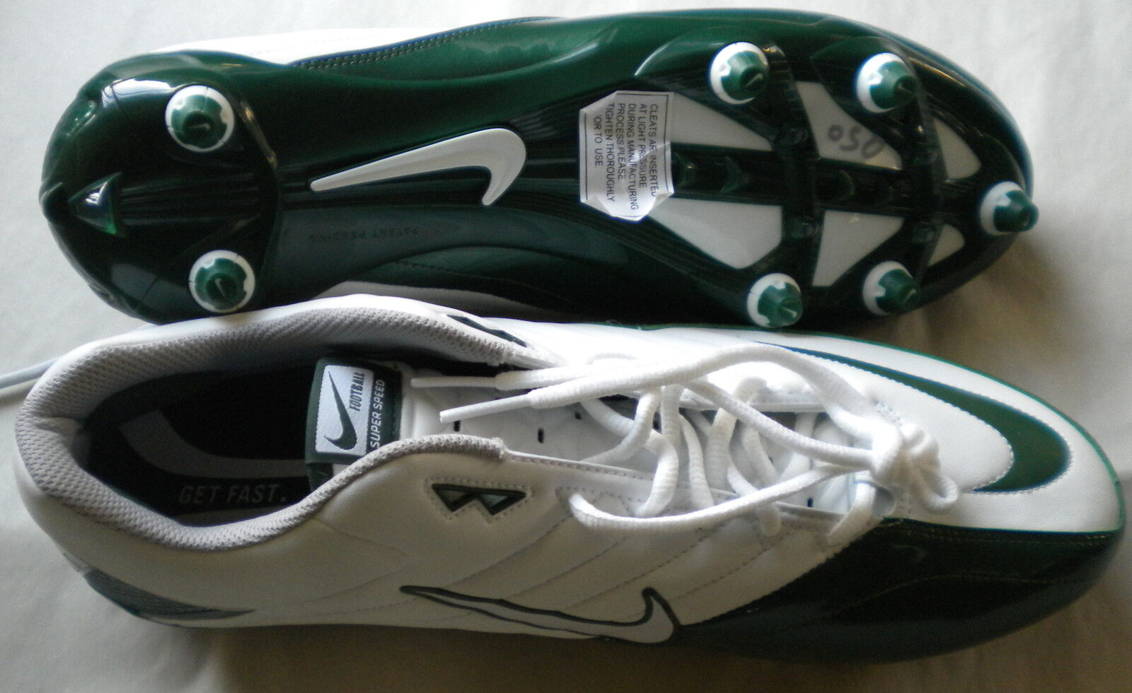 NEW NIKE MEN SUPER SPEED WHITE/GREEN  LOW FOOTBALL CLEATS SHOES SIZE 16