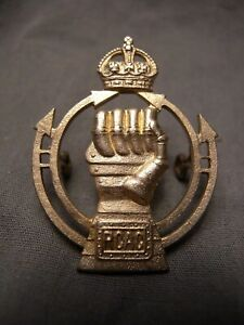 ROYAL CANADIAN ARMOURED CORPS WW II CAP BADGE S.30 RCAC R.C.A.C. CANADA TANK