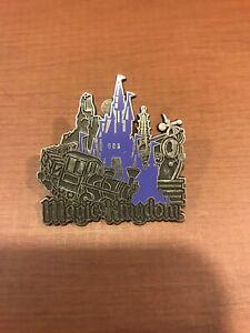 Disney-Magic-Kingdom-2008-Purple-Castle-Theme-Park-Icon-Collectible-Trading-Pin