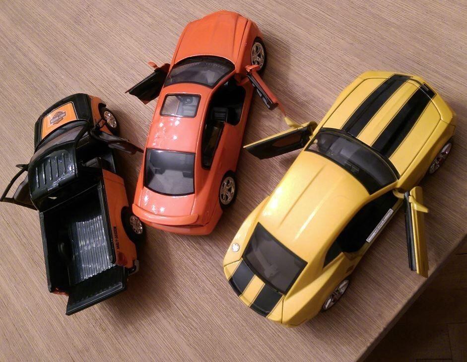 US-Cars, Konvolut, M 1 24 Chevrolet Camaro, Dodge Charger, Ford Pickup F-150 STX