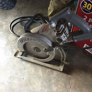 Skilsaw spt77wml 22 7 14 mag light worm drive circular saw with image is loading skilsaw spt77wml 22 7 1 4 034 mag greentooth Image collections