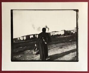 Heinrich Zille, signora con borsa e fascine pacco, fotografia, SCONTO
