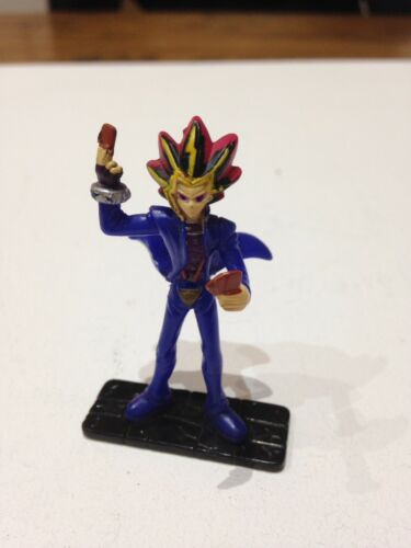 VINTAGE YUGIOH! YAMI YUGI CARD DEALING ACTION FIGURE TOY MATTEL VGC YUGIOH!