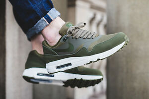 mens green nike air max 1