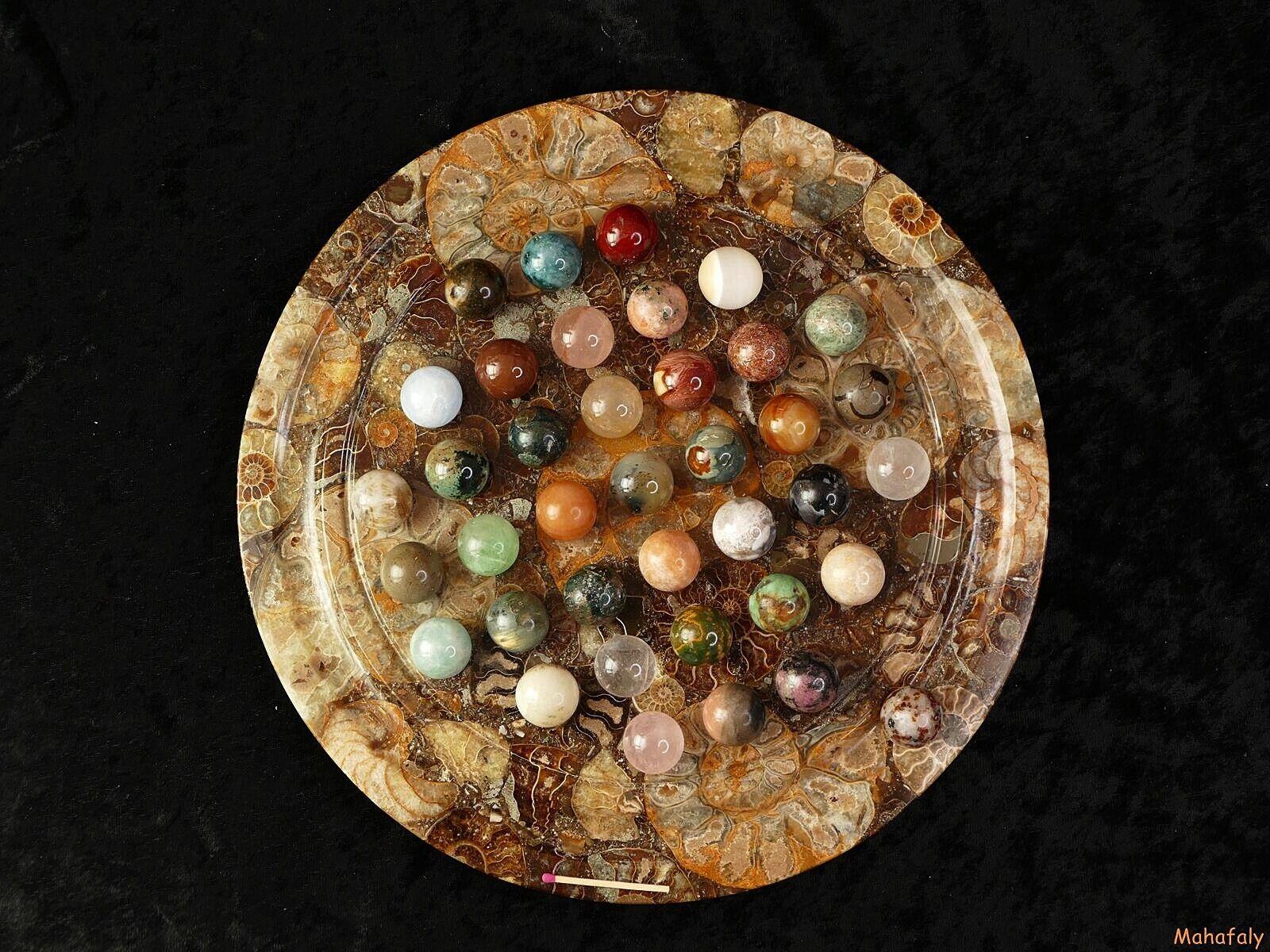 Solitairespiel aus Madagaskar mit Edelsteinkugeln 20 mm auf edlem Ammonitbrett