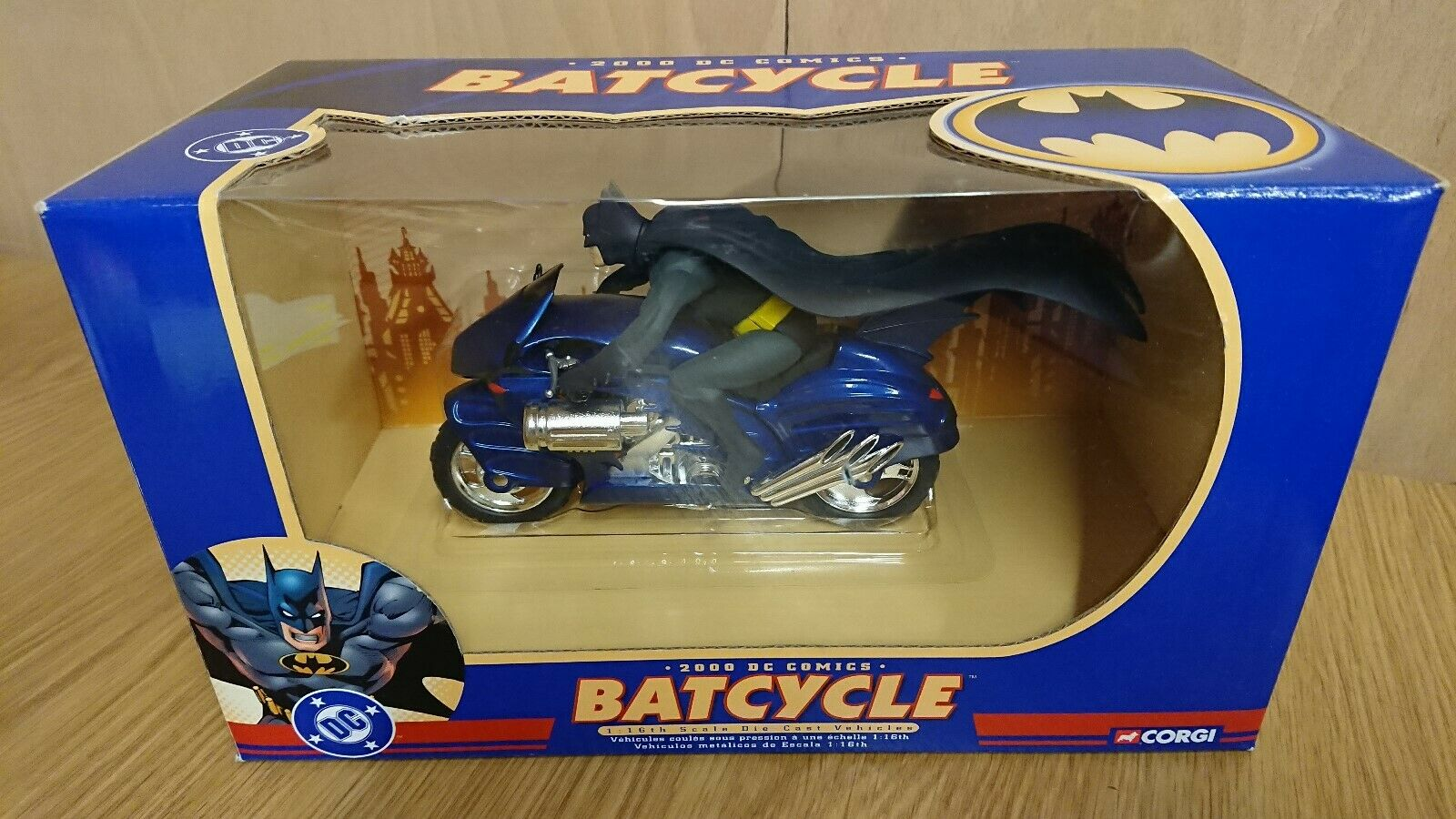 Corgi 77404 Batman DC Comics 1 16 scale Diecast The Batcycle NEW