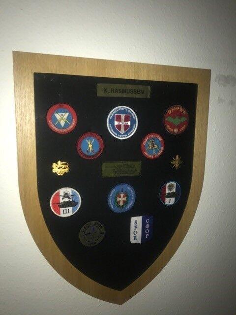 Militær, Ramme våbenskjold