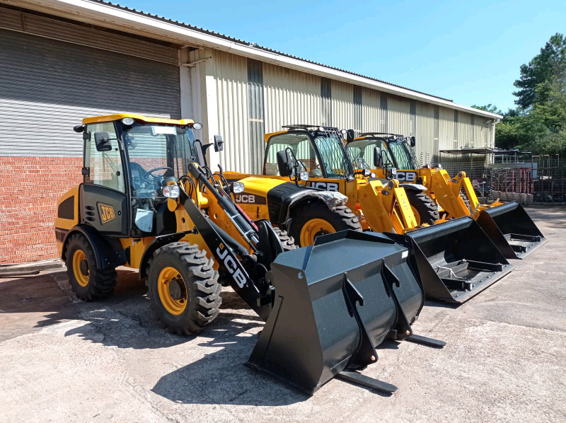 TLBs, Plant, Tippers wanted for Cash