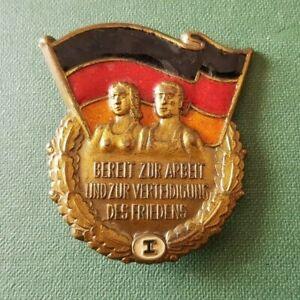 1 Stück großes Militärsportabzeichen der NVA in gold !