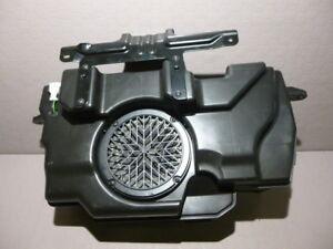Audi-Q5-8R-Bang-Olufsen-Subwoofer-Lautsprecher-Bassbox-8R0035382C-sound-speaker