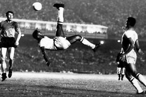 Pele-Brazil-World-Cup-Legend-Over-Head-Kick-10x8-Photo