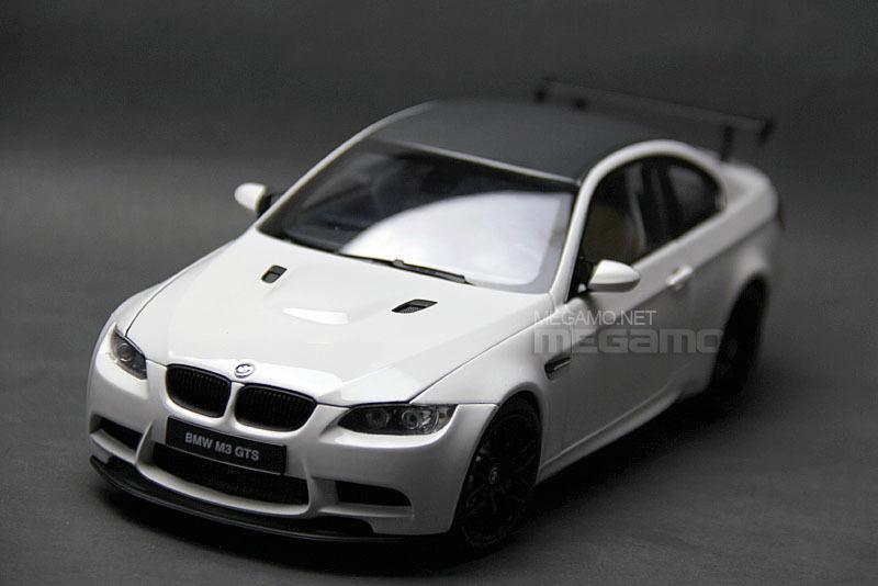 Genuine Kyosho Bmw M3 Gts E92 White Carbon Model Car 1 18 Ebay