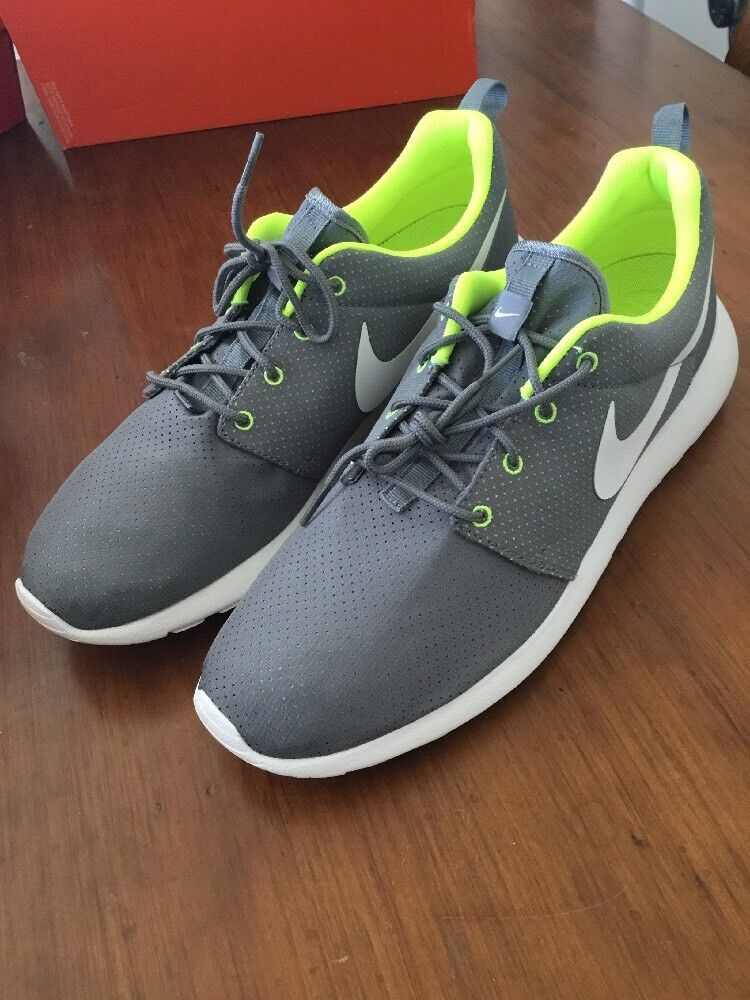 Nike Rosherun Men's shoes Trainers New 511881 091 Size 12
