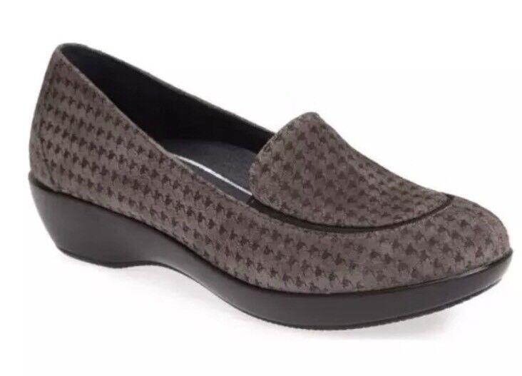 Dansko Debra Houndstooth Donna Grey Suede Loafer Sz EUR Sz 36 1071