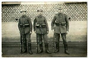 Antique-WW1-military-RPPC-postcard-portrait-of-3-German-soldiers-in-uniform