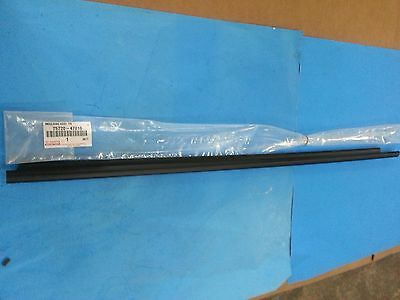 Genuine Toyota 75720-47010 Driver Front Belt Molding Weather Strip 2004-09 Prius