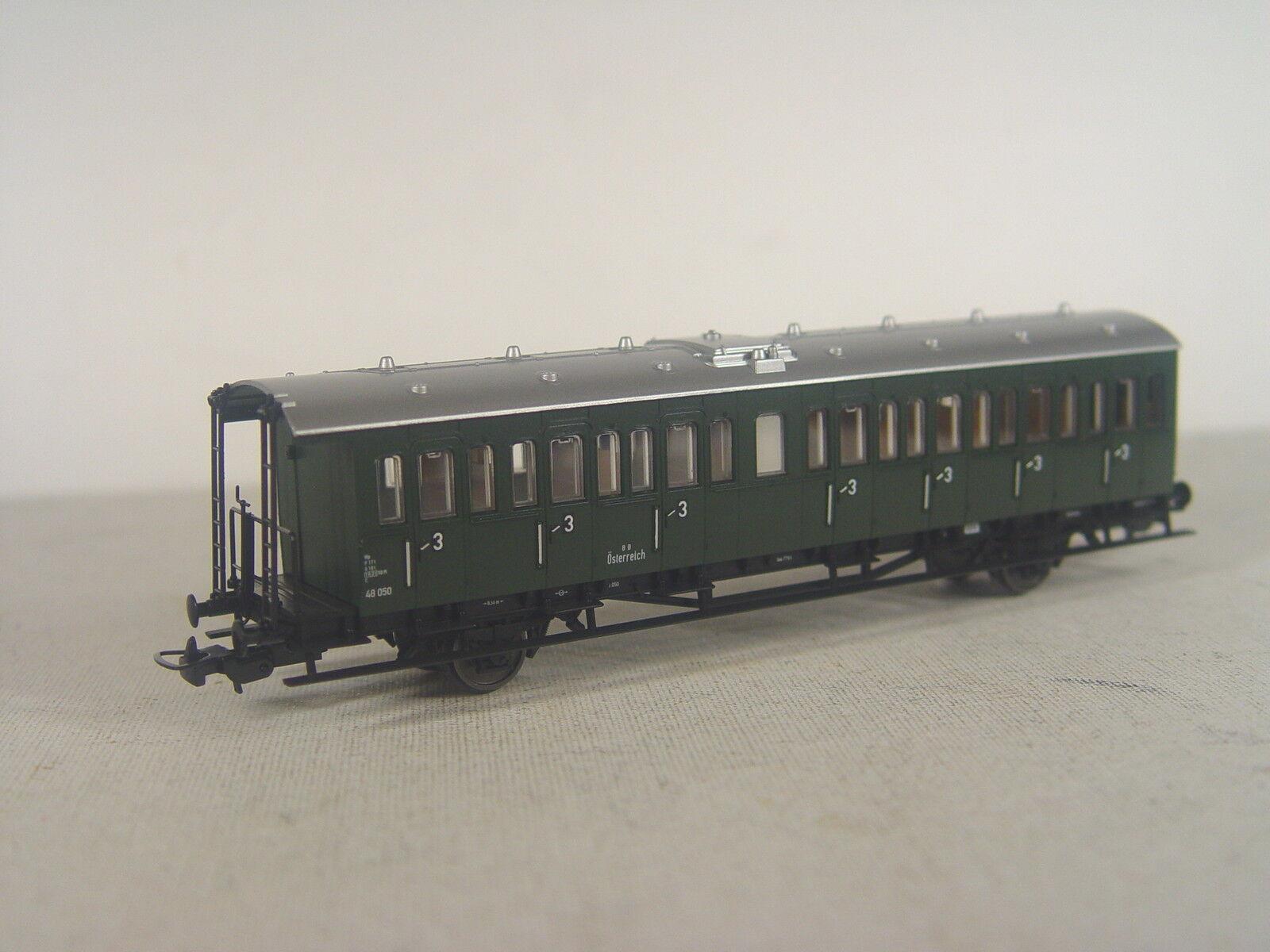 ÖBB Personenwagen 3.Kl. - Piko HO Wagen 1 87 - 53165  E