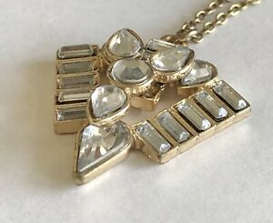 """Vintage Clear Rhinestone Gold Tone Pendant 1 1/8"""" x 1 1/8"""" Chain Necklace 18"""""""