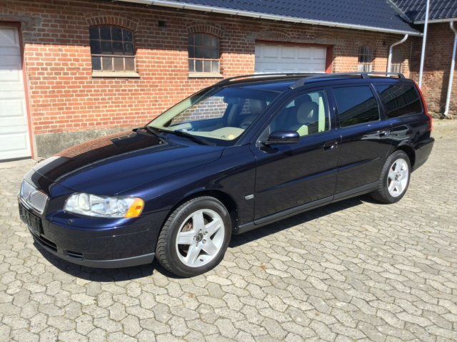 Volvo V70, 2,4 170 Kinetic, Benzin, 2005, 5-dørs, st. car.,…