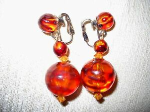 VTG-MULTIPLE-SIZE-STRIATED-AMBER-COLOR-ACRYLIC-BEAD-DROP-DANGLE-CLIP-ON-EARRINGS