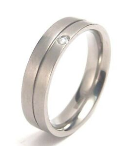 Men-039-s-Ring-Titanium-Comfort-Fit-Band-Clear-Stone-Satin-Finish-New-Size-10