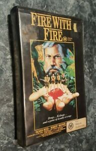 Fire-With-Fire-VHS-Video-Oliver-Reed-Robert-Vaughn