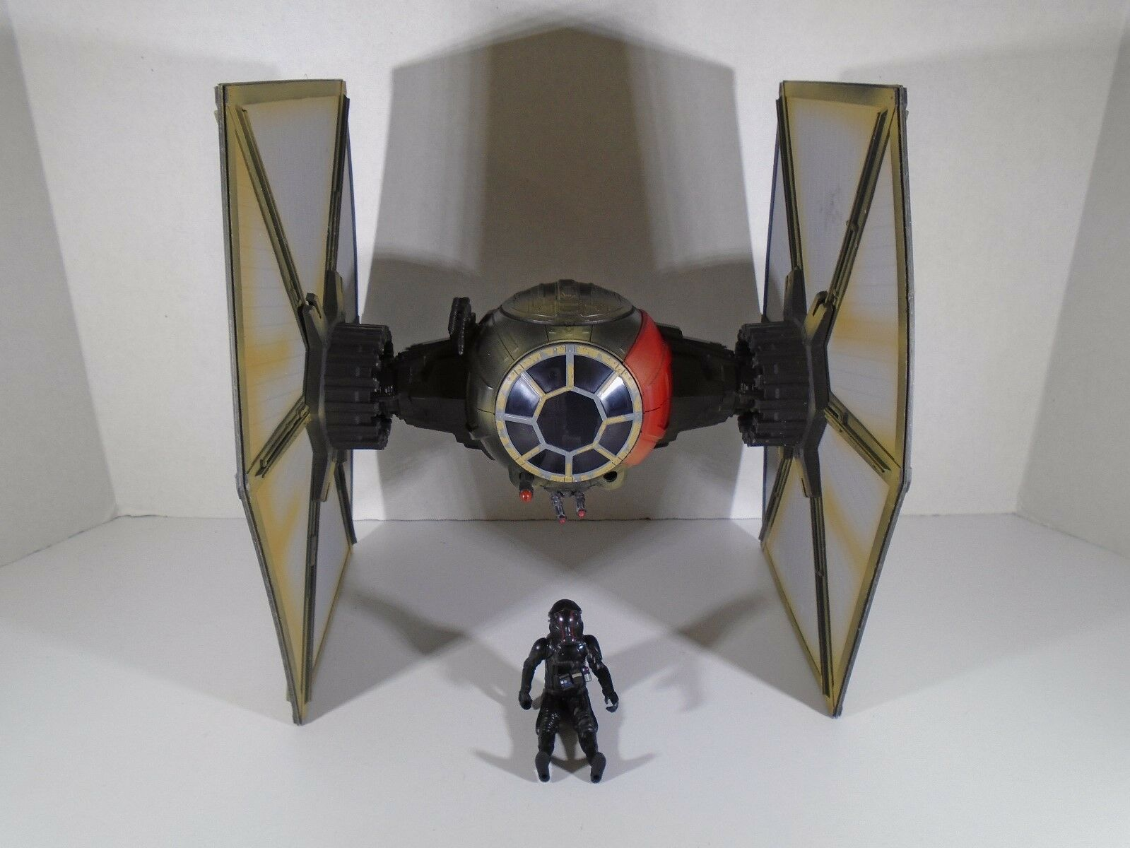 2015 HASBRO--STAR WARS--FIRST ORDER SPECIAL FORCES TIE FIGHTER (3 3 4 VERSION)