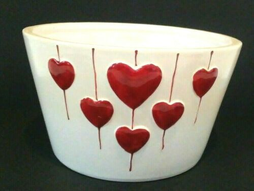 """Pre-owned Red Hearts Valentine Ceramic Planter 4/"""" tall 6/"""" wide many uses"""