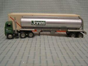 Winross-Jones-Motor-Tanker-Tractor-Trailer-White-5000-Cab-MIB-1978