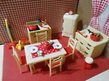 RENWAL KITCHEN SET WITH MANY ACCESSORIES PLASTIC DOLLHOUSE FURNITURE MARX