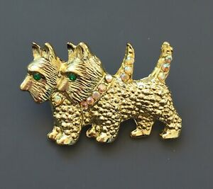 Vtg-2-Scotty-Terrier-dogs-brooch-in-gold-tone-metal-with-crystals