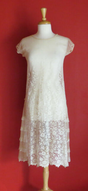 DELICATE. 1920s CREME lace WEDDING dress. Size Small. EXQUISITE.