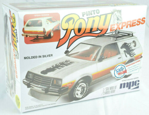 """MPC 1979 Ford Pinto Wagon /""""Pony Express/"""" 1:25 Scale Plastic Model Car Kit 845"""