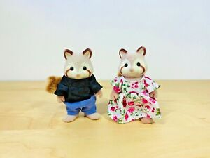 Sylvanian-Families-Raccoon-George-amp-Mildred-Mulberry-Grandparents-Set