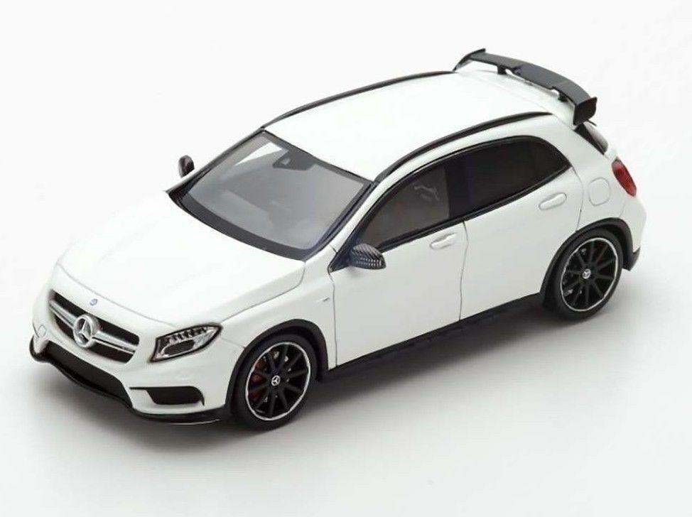 Mercedes-AMG GLA45 2016 Cirrus biancao S4911 Spark 1 43 nuevo en una caja