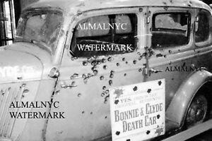 Bonnie-and-Clyde-039-s-car-after-shootout-black-and-white-4-x-6-reprint