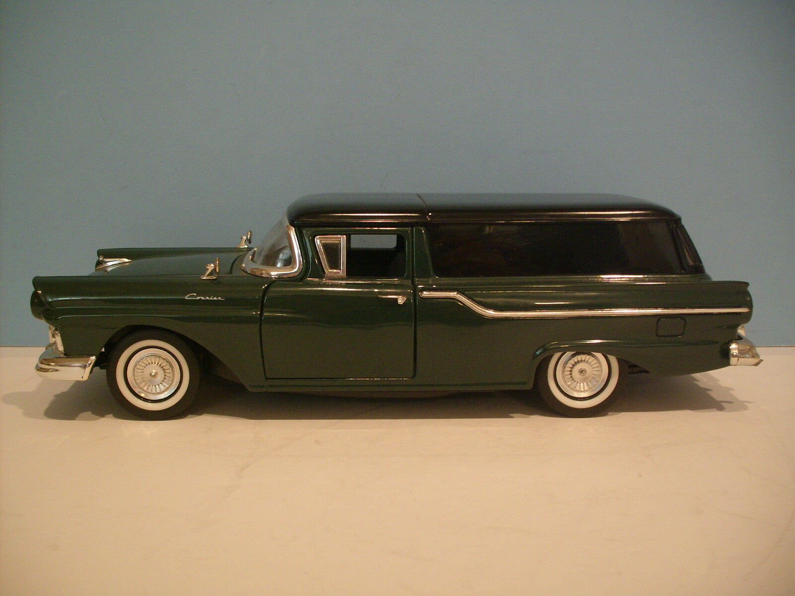 1 18 Road Signature Green 1957 Ford Ranchero Courier Sedan Die-cast By Yat Ming