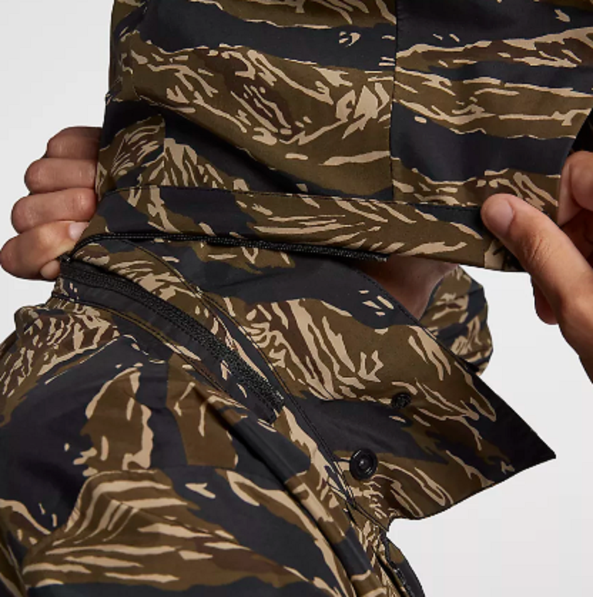 b3e2694bd1 NikeLab Tiger Camo Waterproof Parka Men's Size M 916430-235 for sale online  | eBay