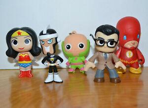 DC-COMICS-FUNKO-MYSTERY-MINIS-VINYL-ACTION-FIGURE-LOT-WONDER-WOMAN-FLASH