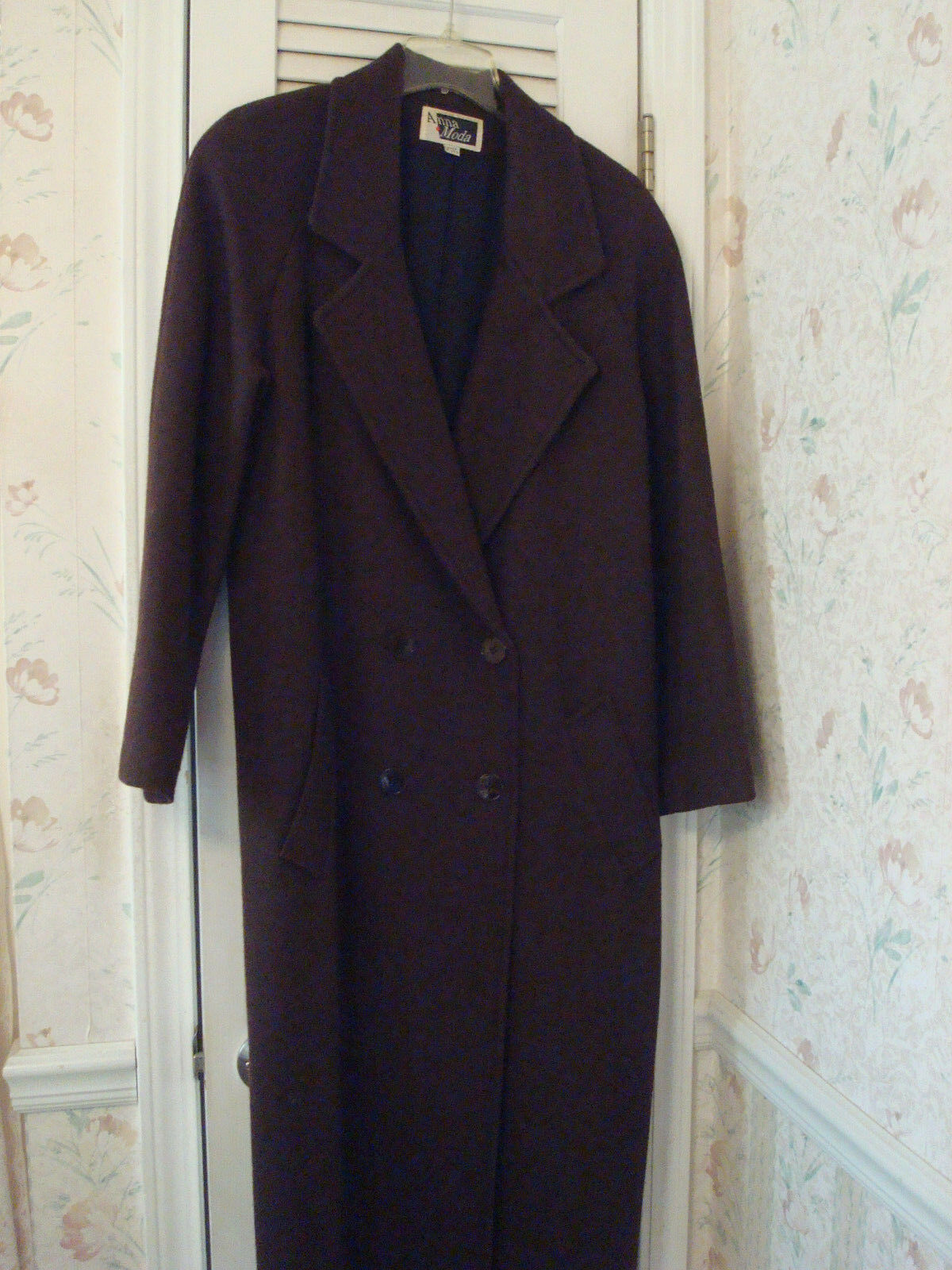 Size 16 Long Brown 100% Wool Coat  Made in USA  EUC