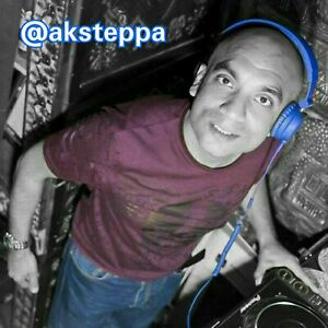 KNEE-DEEP-IN-HOUSE-MUSIC-15-CONTINUOUS-MIX-DJ-AKSTEPPA