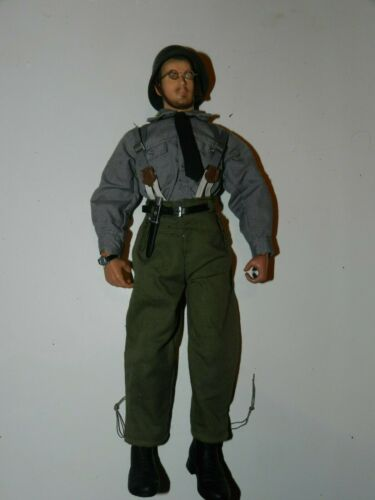 16 SCALE DRAGON WW2 GERMAN CLERICAL WORKER FIGURE