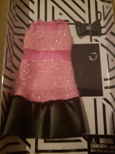 2018 Barbie Doll Fashion Pack New Pink /& Black fuzzy dress