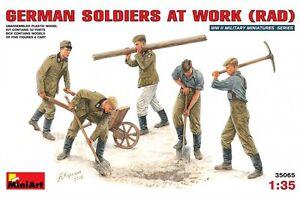 Miniart 35065 1/35 German Soldiers at Work (RAD)
