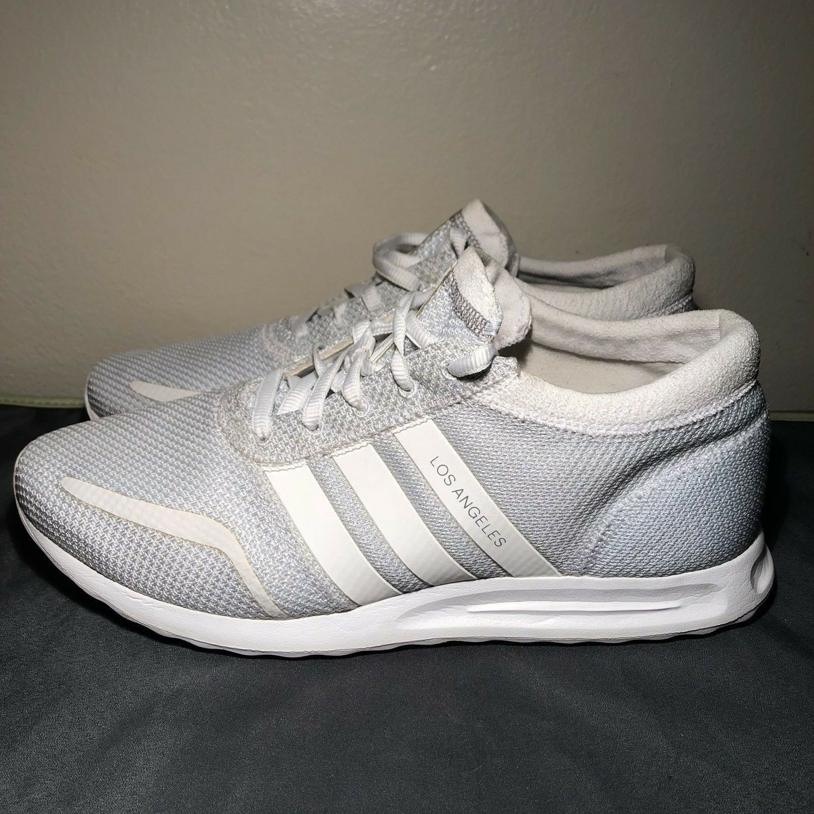ADIDAS LOS 9.5 ANGELES Mens US Size 9.5 LOS Triple White S42021 Athletic Sneakers c37484