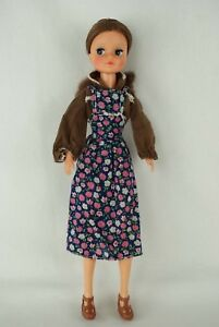 Otto-Simon-FLEUR-brunette-doll-in-blue-Basic-outfit-1000-Dutch-Sindy-70-039-s