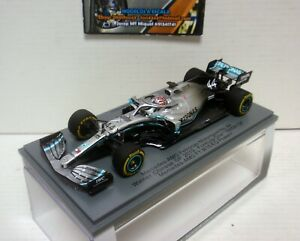 Spark S6071 Mercedes AMG F1 W10 EQ Power Plus Petronas Motorsport Team 44 Winner Chinese GP 2019 (Lewis Hamilton) 1/43 Maqueta de Coche - Plata/Multicolor